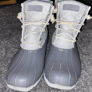 Grey Woman's Sperry Boats